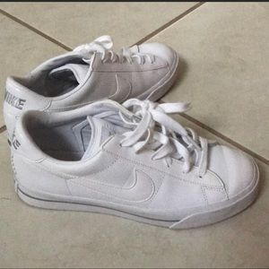 All white nike sneakers size 7
